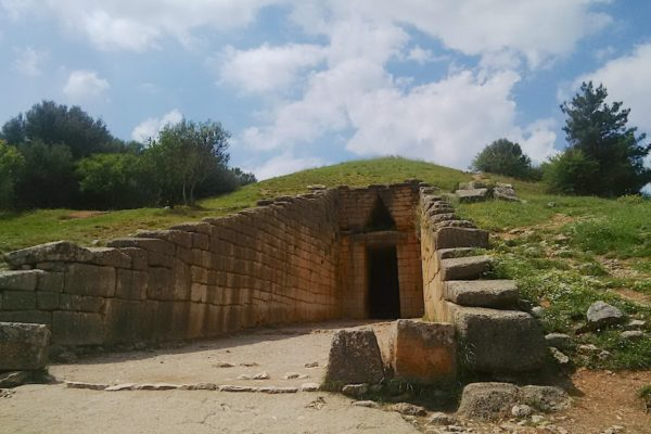 Mycenae beehive tomb (the Treasurey of Atreus)